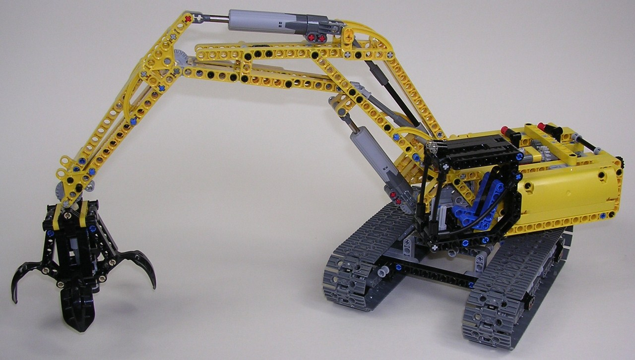 LEGO Technic Excavator (42006) with Power Functions - YouTube