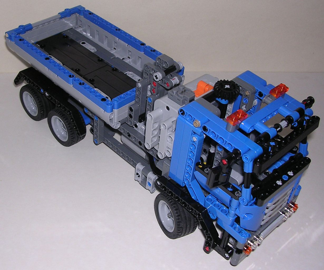 review lego technic 8052 camion benne. Black Bedroom Furniture Sets. Home Design Ideas
