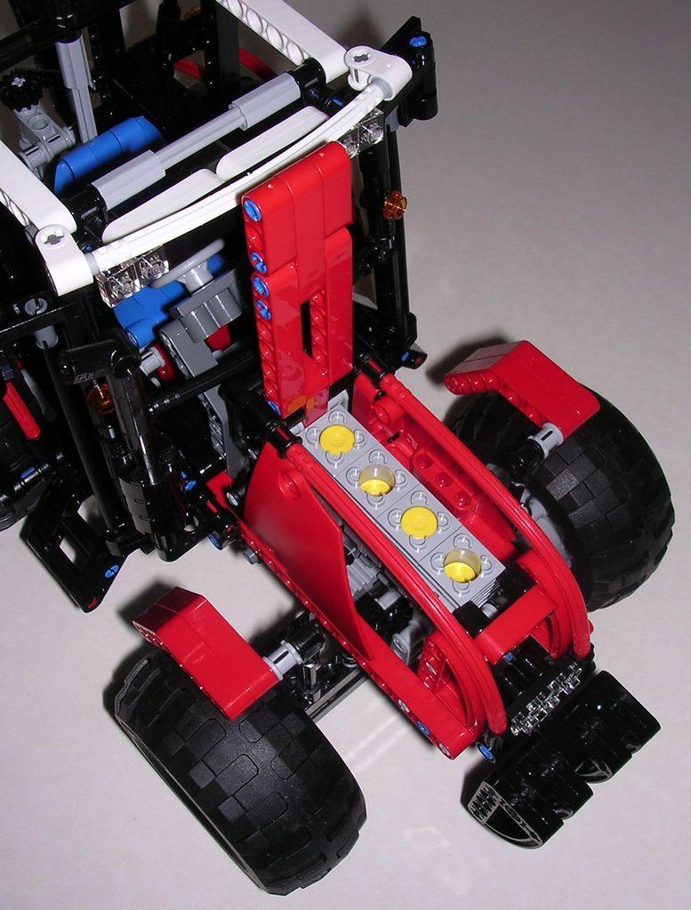 review lego technic 8063 tracteur avec remorque. Black Bedroom Furniture Sets. Home Design Ideas