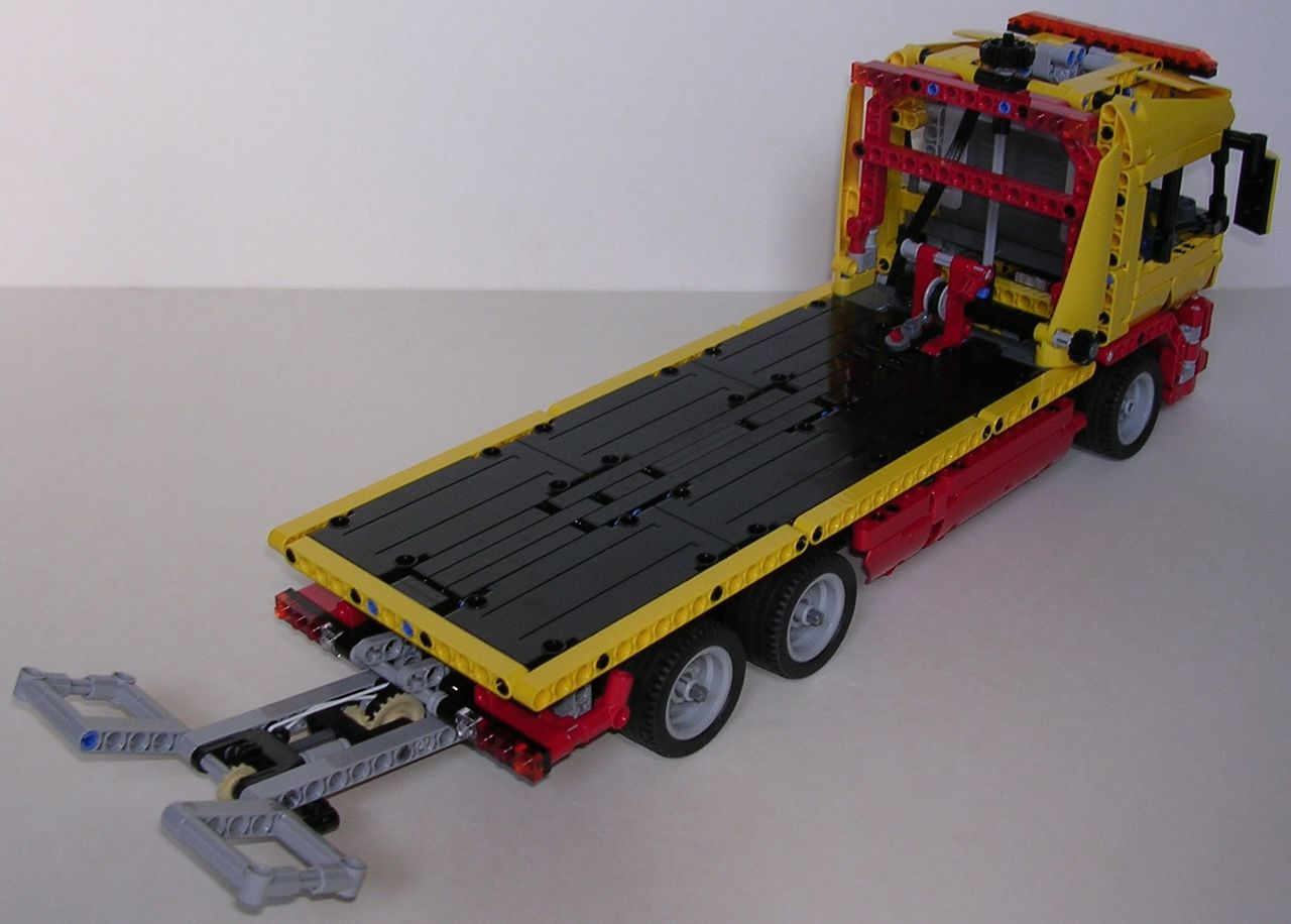 review lego technic 8109 camion de d pannage. Black Bedroom Furniture Sets. Home Design Ideas