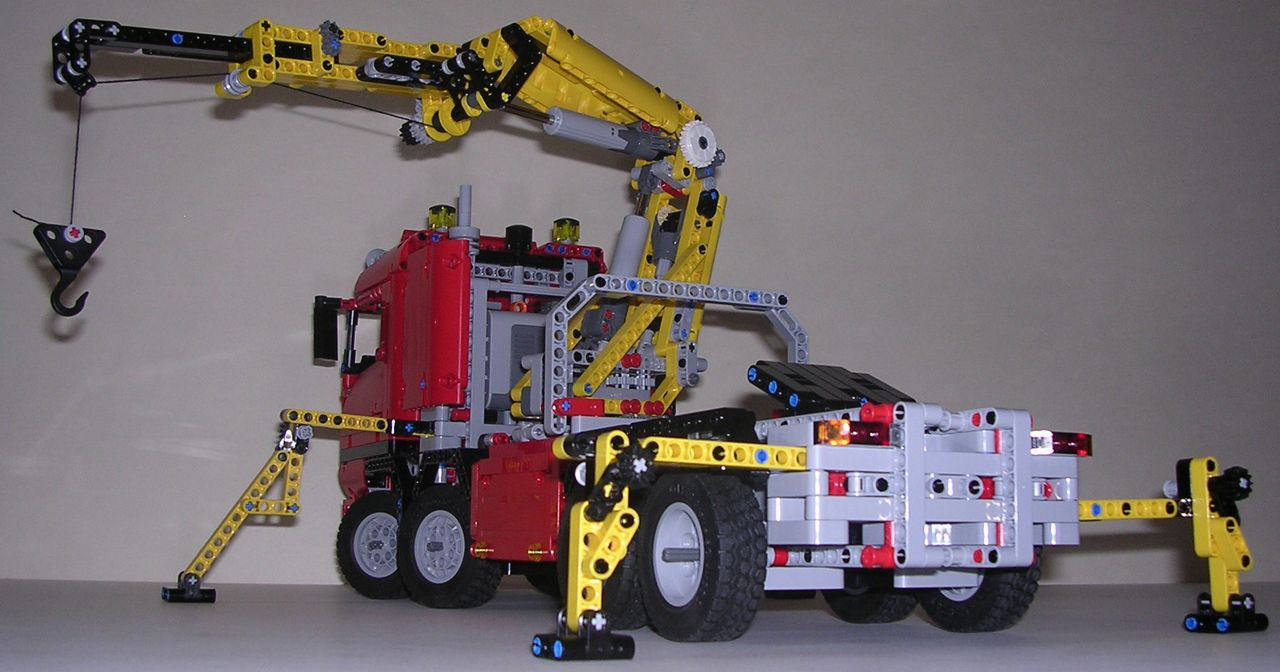review lego technic 8258 camion grue. Black Bedroom Furniture Sets. Home Design Ideas